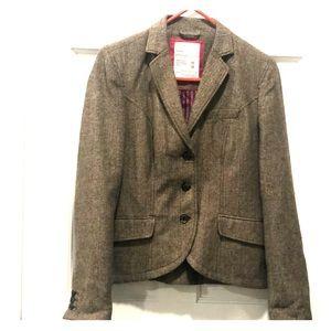 Timeless patterned brown blazer